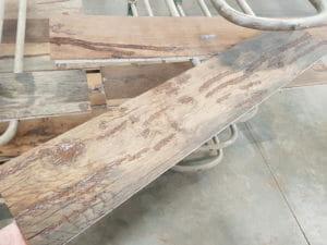Il risultato della stuccatura su una tavola di rovere antico 300x225 - Il risultato della stuccatura su una tavola di rovere antico