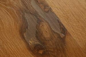 Intervento di stuccatura su nodi di rovere antico di recupero 300x200 - Intervento di stuccatura su nodi di rovere antico di recupero
